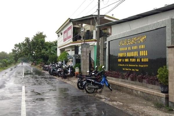 Pesantren Manbaul Huda Tuban